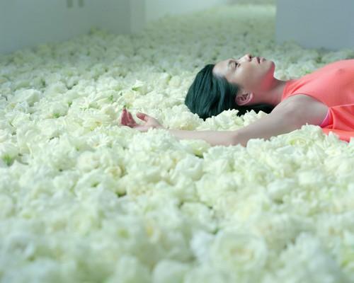"Izima Kaoru's ""Landscapes with a Corpse"""